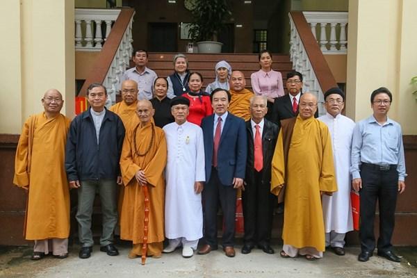 Các tôn giáo tham gia củng cố và giữ vững tình đoàn kết trong cộng đồng dân cư