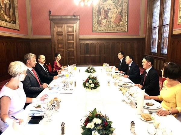 Hungary đánh giá cao đóng góp của cộng đồng người Việt Nam