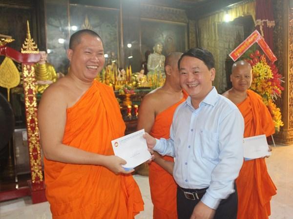 Đồng bào dân tộc Khmer chung tay xây dựng, bảo vệ Tổ quốc